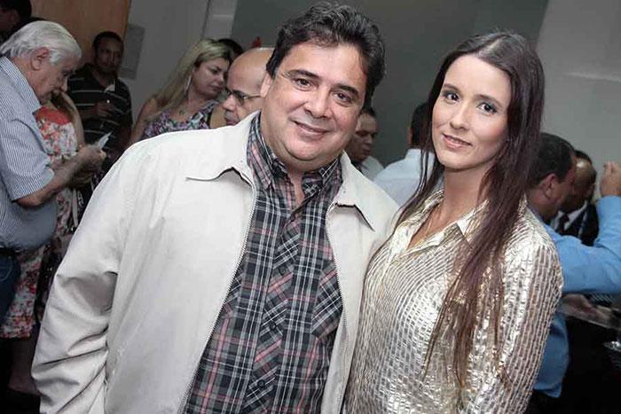 José Luis Dantas, da UVV, e esposa no lançamento de Memórias do Meu Tempo