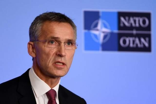 """Médico checo devuelve medallas de la """"criminal"""" OTAN"""