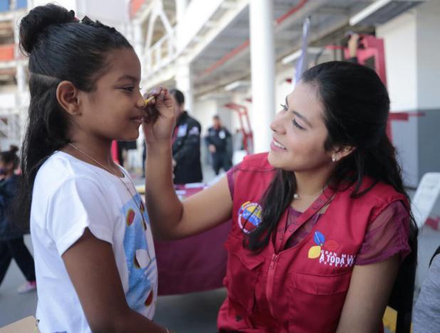 Millones de niños venezolanos sonríen tras recibir juguetes del plan «Navidades Felices»
