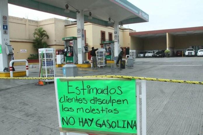 Escasez de gasolina por implementación del Plan contra Hauchicoleo cumple una semana en México