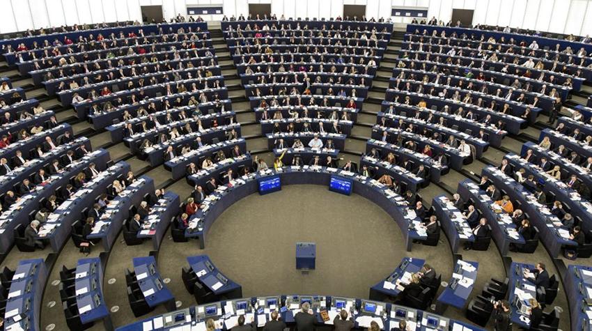 Declaran vacantes escaños de líderes catalanes en el Parlamento Europeo