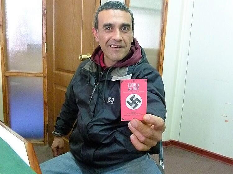 El fundador de la escuela nazi «Augusto Pinochet» que se coló en las asambleas ciudadanas