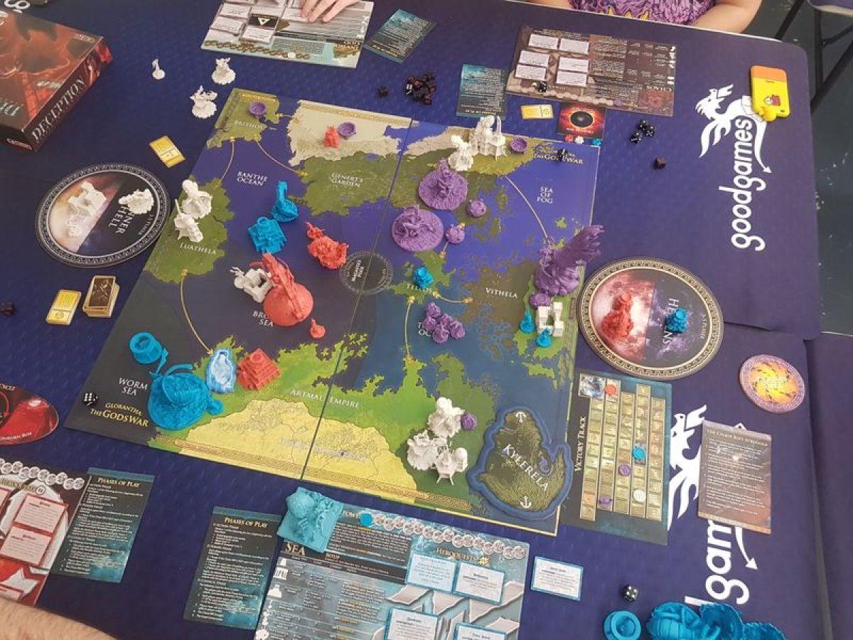 Glorantha: The Gods War juego de mesa