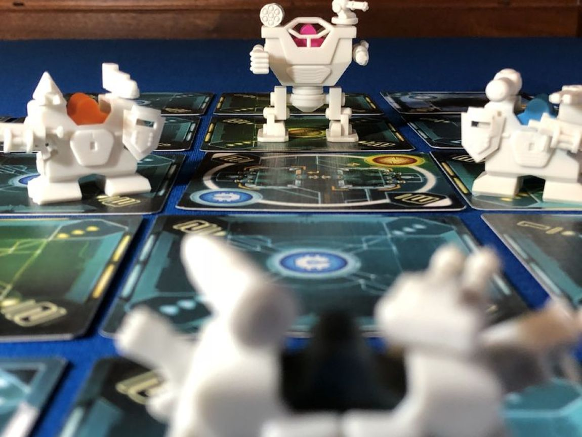 Tiny Epic Mechs juego de mesa