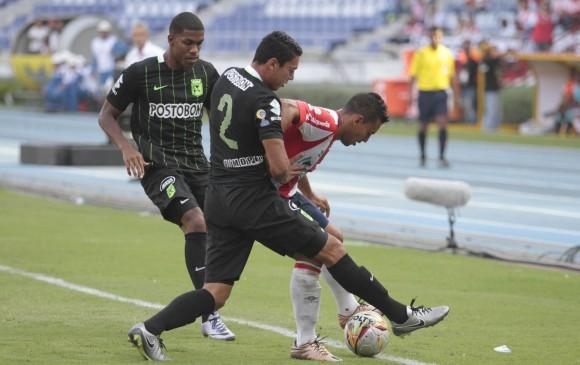 En un partido intenso, Nacional y Junior igualaron 3-3. Un empate que luce justo por la lucha que pusieron ambas escuadras en la cancha del Metropolitano. FOTO Colprensa
