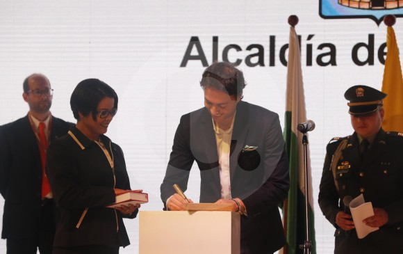 Daniel Quintero juró como alcalde de Medellín