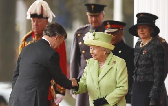 Santos permanecerá en el Palacio de Buckingham como invitado de la reina Isabel II. FOTO AP