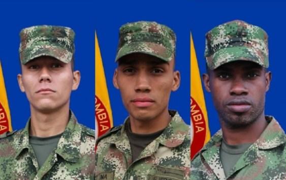 José Tirson Mosquera Hurtado, Iván Darío Luna Loaiza y Jesús Manuel Lozano, los militares que murieron. FOTO Cortesía Ejército