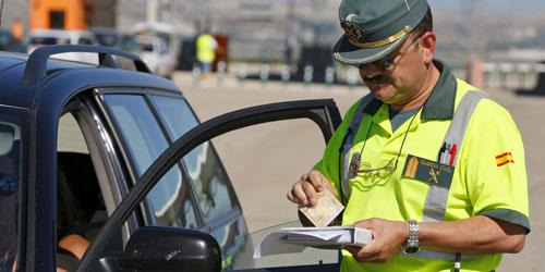 """Un guardia civil de Tráfico: """"Estamos al servicio del poder y no del pueblo"""""""