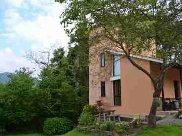 rural-apartments-los-silos-1-garden-1