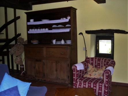 Cotagge-El-Correntiu-sitting-room1