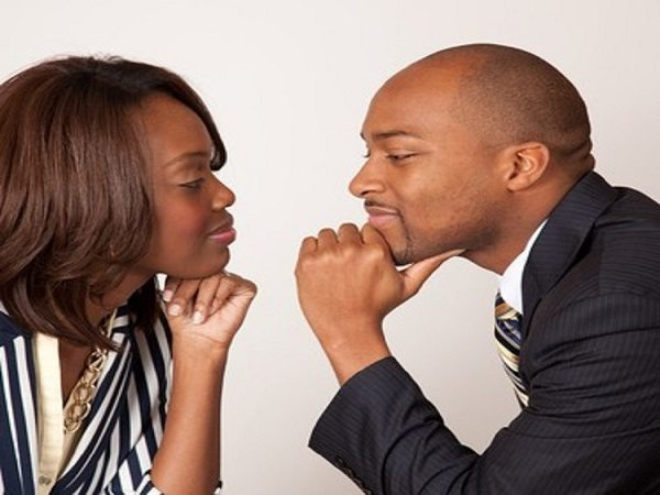 5 SIGNS YOUR PARTNER IS LYING TO YOU