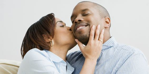 how to kiss a girl when youre not dating