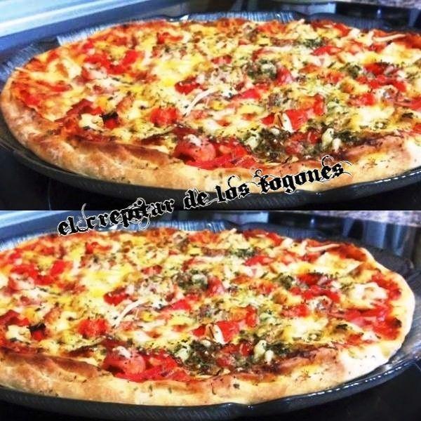 PIZZA DE POLLO Y PIQUILLOS