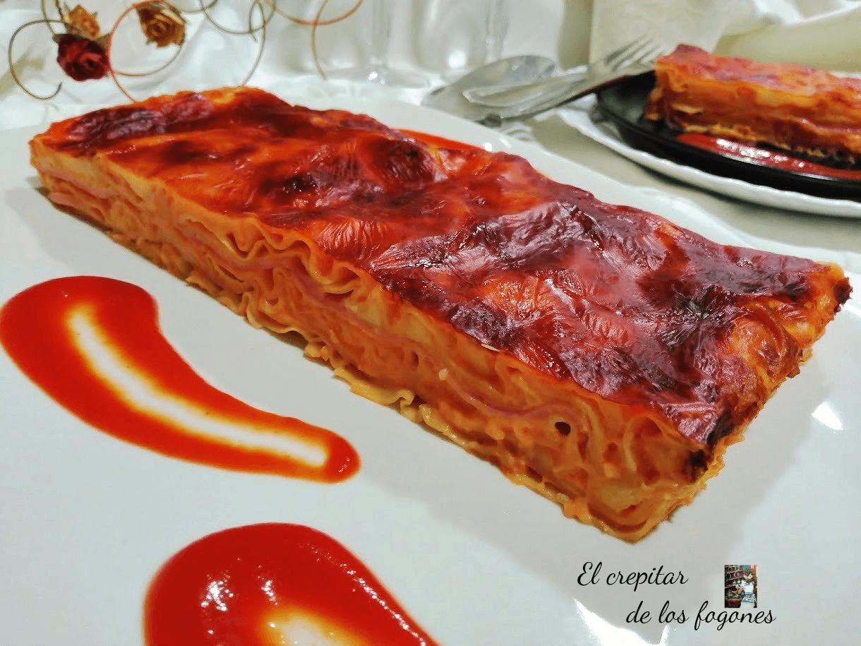LASAÑA DE JAMÓN, QUESO Y SALSA AURORA (con pasta fresca)