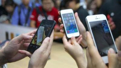 Junta sanciona con más de tres millones a Telefónica, Vodafone y Orange por introducir cláusulas abusivas