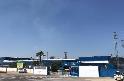 Acceso principal a la fábrica de Agro Sevilla en La Roda de Andalucía (Sevilla), líder mundial del sector.
