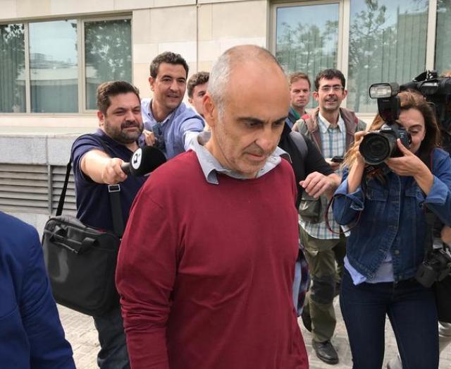Jose Cotino a la salida de los juzgados