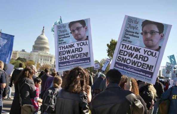 Manifestación a favor de Snowden frente al Congreso de EEUU en Washington en octubre de 2013.