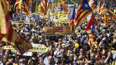 Manifestantes reclaman la liberación de los políticos independentistas encarcelados