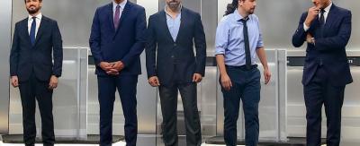 Santiago Abascal, en el centro, entre el resto de los principales candidatos del debate electoral para el 10N