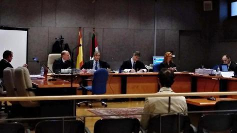 El acusado del 'caso Gaztelueta', esperando al inicio del juicio
