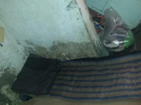 Habitación en la que duerme Ibrahim, en un barrio a las afueras de Rabat.