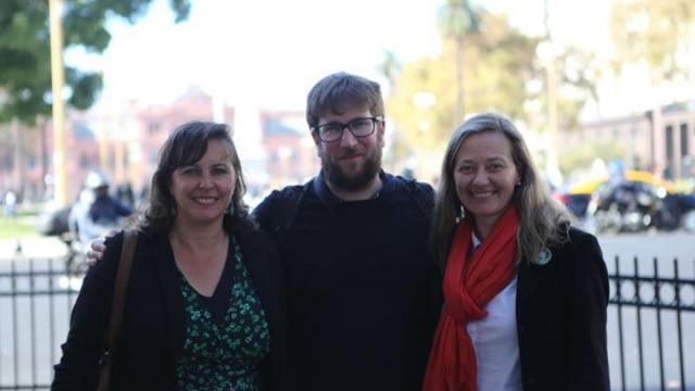 Una comitiva española busca desde Argentina «mover conciencias» contra el franquismo