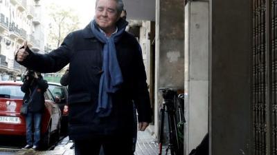 El cuñado de Barberá llega sonriente con la UCO al registro de su despacho
