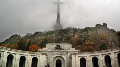 El PSOE pide dedicar 6 millones a exhumaciones y a redefinir el Valle de los Caídos