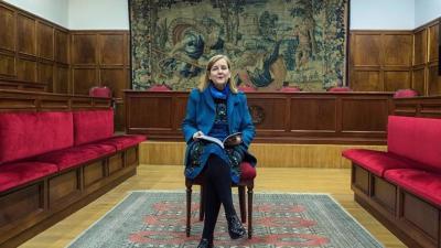 El PSOE recoge firmas en la Eurocámara para pedir a la jueza Elósegui que rectifique