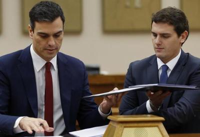 """Sánchez y Rivera firman el pacto para un gobierno """"reformista y de progreso"""""""