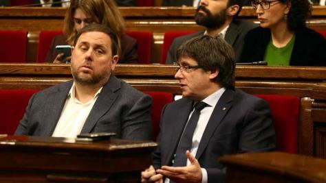Vox se querella contra Puigdemont y Junqueras por obtener datos ilegalmente