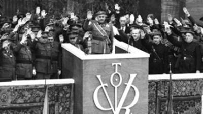 Foto compartida en Twitter por la Fundación Francisco Franco del 1 de abril de 1939.