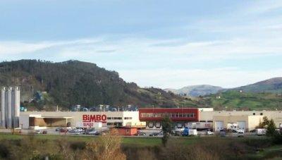 Exterior de las instalaciones de Bimbo en Solares