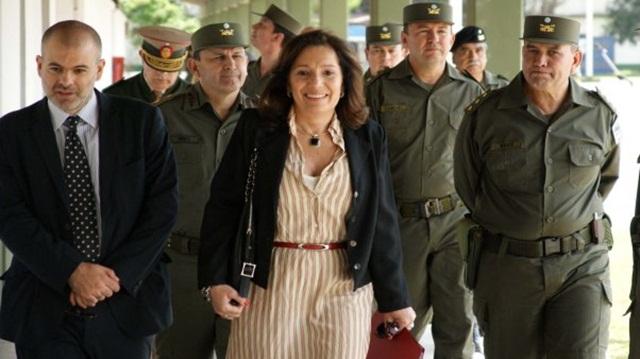 Renunció Cristina Caamaño