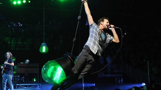 "Pearl Jam ""Lightning Bolt"" Tour - Brooklyn"