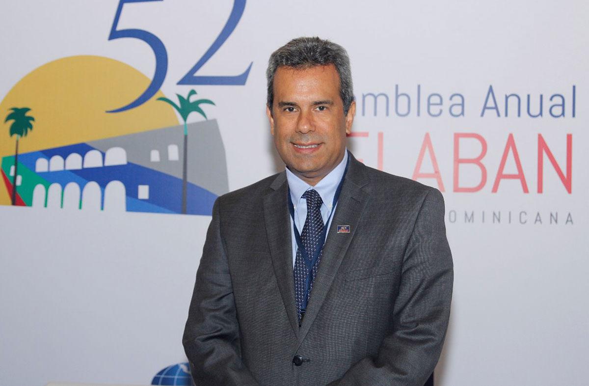 carlos eduardo troetsch saval felaban banco regional