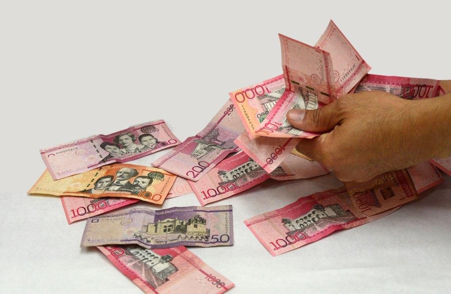 activos bancos de ahorro y credito