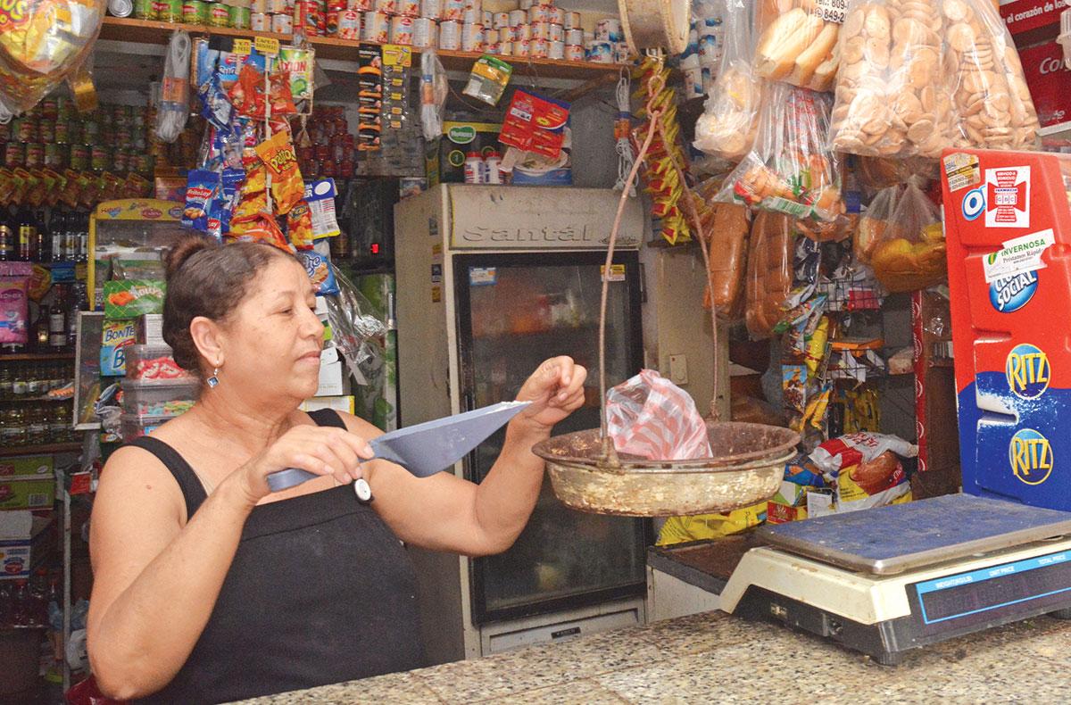 carmen ramos mujer dominicana