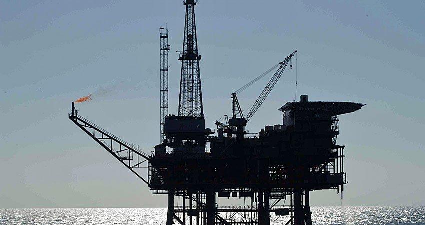 Petróleo a alza luego de ataque estadounidense a Siria