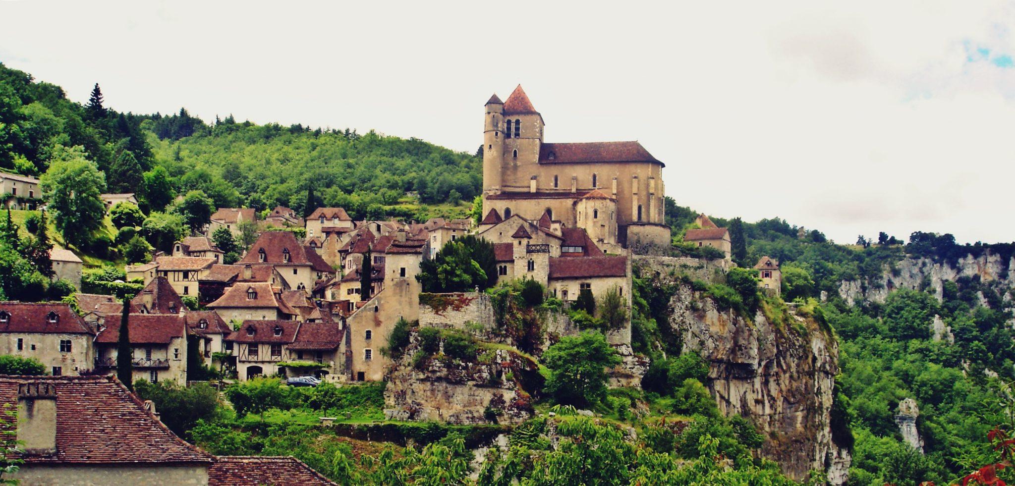 pueblos bonitos francia saint cirq la popie
