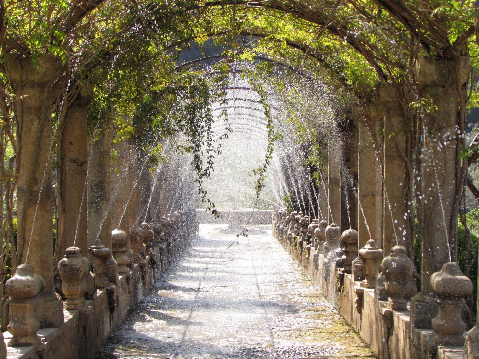 Fuente en los jardines de Alfabia