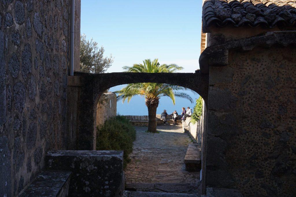 Acceso a la terraza panorámica de Ermita de la Santísima Trinidad
