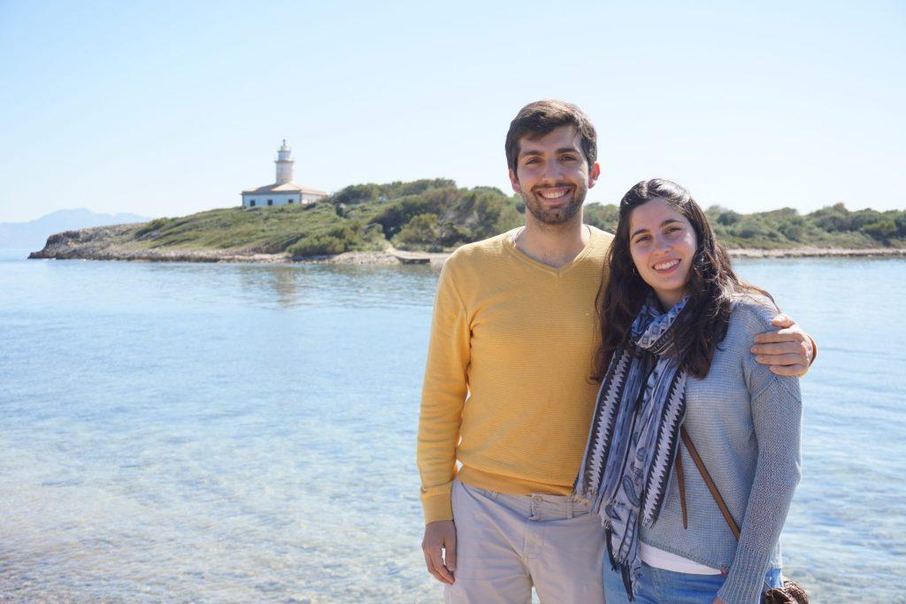 Toni y Maura - Faro de Alcanada