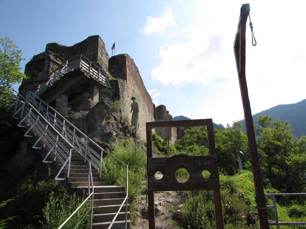 castillo o fortaleza de Poenari