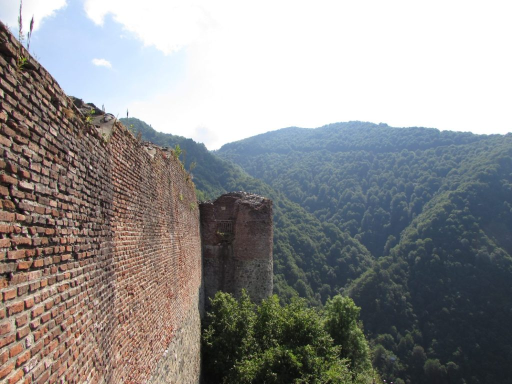 Murallas del Castillo o Fortaleza de Poenari