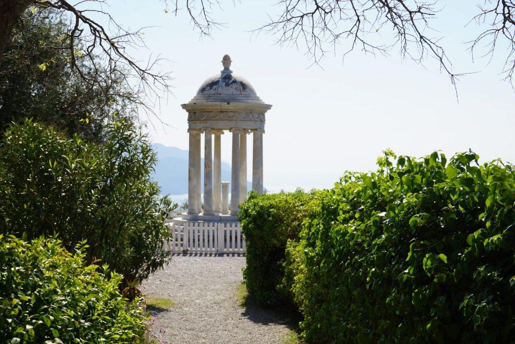 Templete de mármol de Carrara