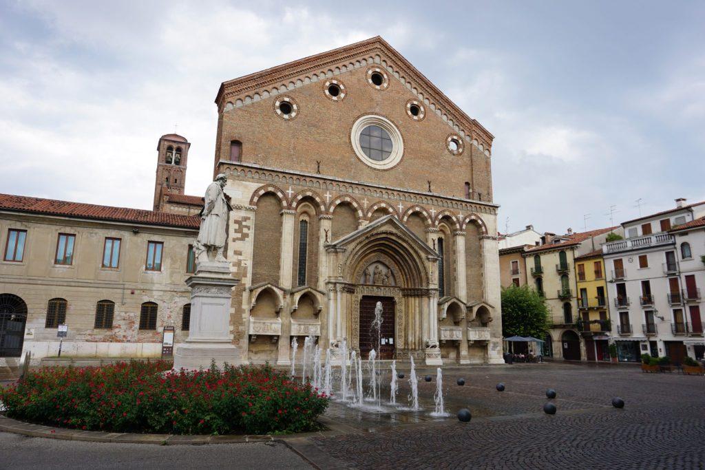 Piazza y Chiesa di San Lorenzo, Vicenza