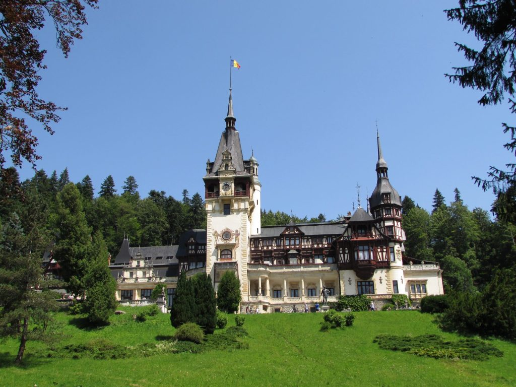 Fachada del Castillo de Peles, Rumania